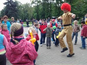 8 (916) 702–11–08 клоун-жонглер