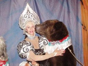 8 (916) 702–11–08  Большой живой медведь
